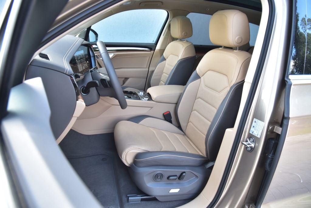 Volkswagen-Touareg-fotele