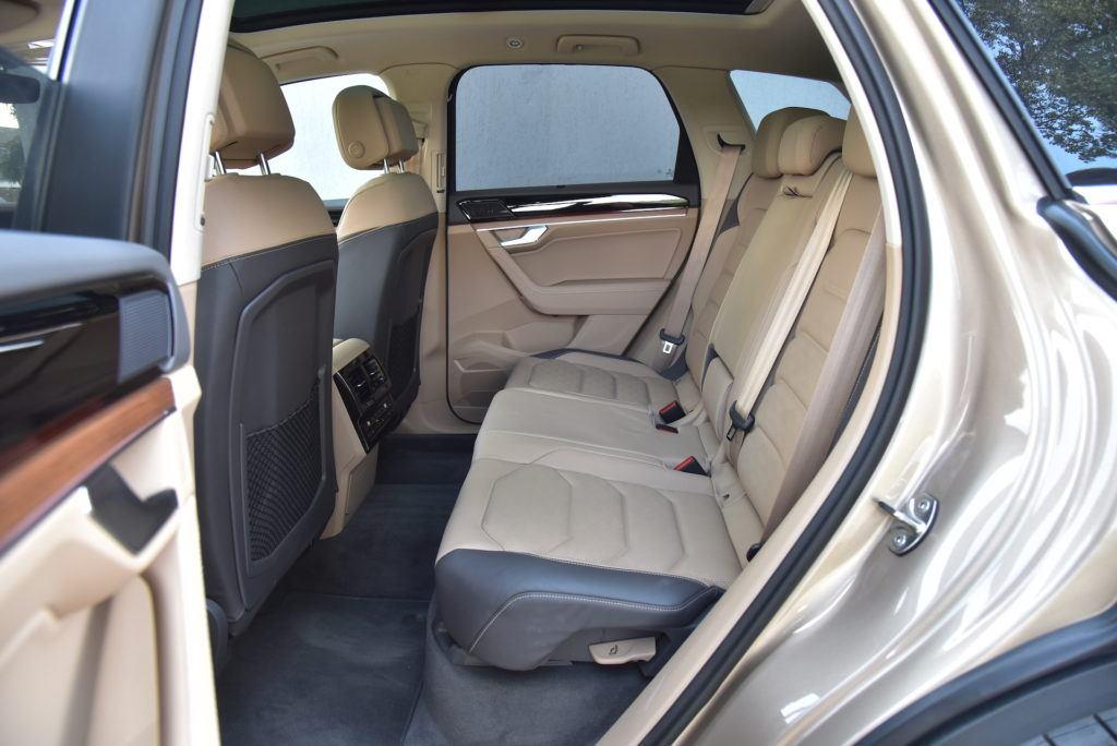 Volkswagen-Touareg-kanapa