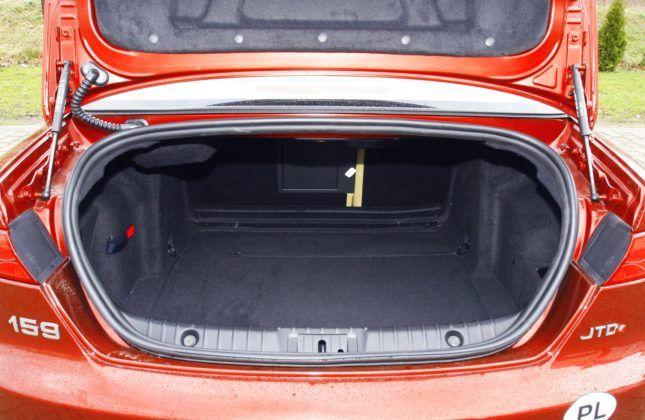 Alfa Romeo 159 - bagażnik sedan