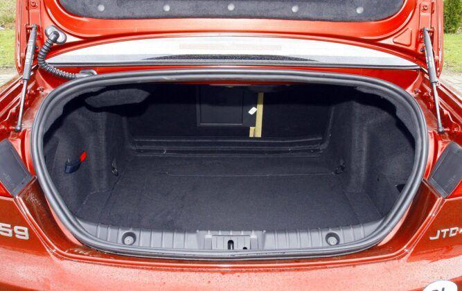 Alfa Romeo 159 bagażnik