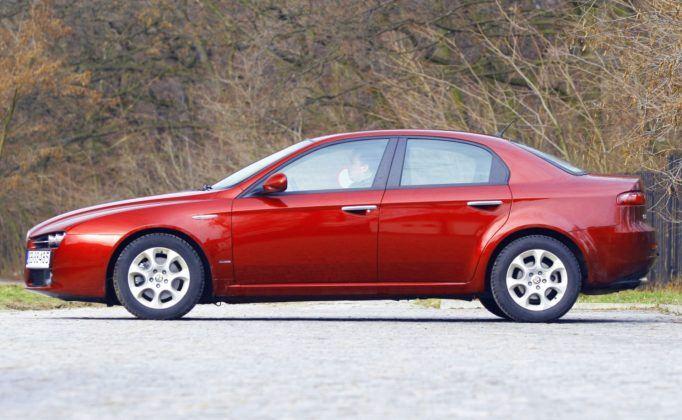 Alfa Romeo 159 - bok