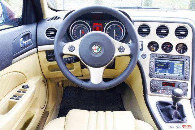 Alfa Romeo 159 - deska rozdzielcza