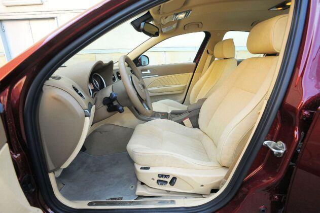 Alfa Romeo 159 - fotel kierowcy