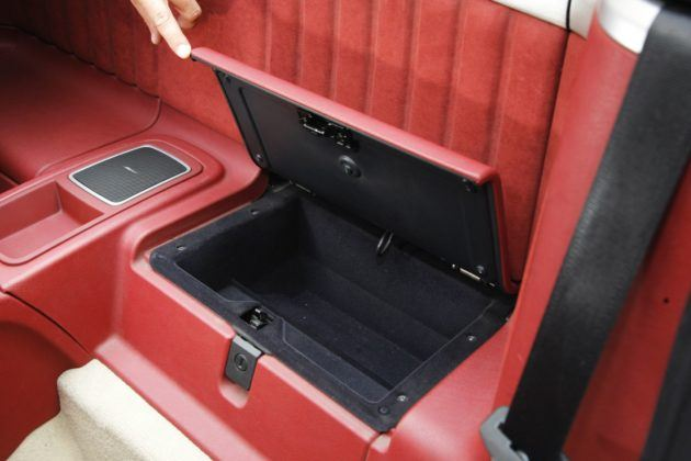 Alfa Romeo Spider - schowki