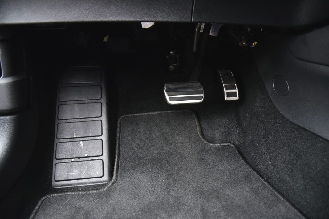 Ford Focus IV - pedały