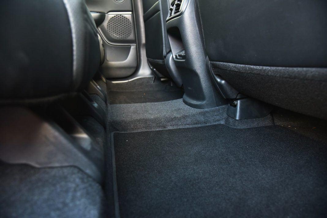 Honda CR-V V - tunel środkowy