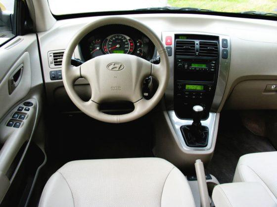 Hyundai Tucson I - deska rozdzielcza