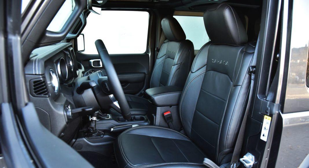 Jeep Wrangler Sahara - fotel kierowcy