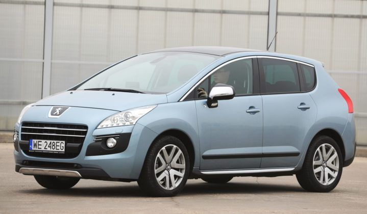 Małe SUV-y - najlepszy - Peugeot 3008 Hybrid4