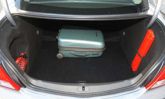 Opel Insignia A - bagażnik