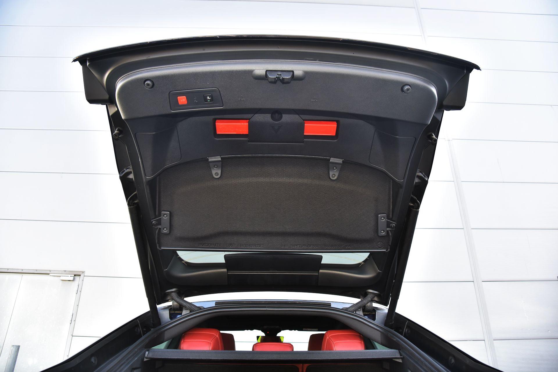 Peugeot 508 - półka