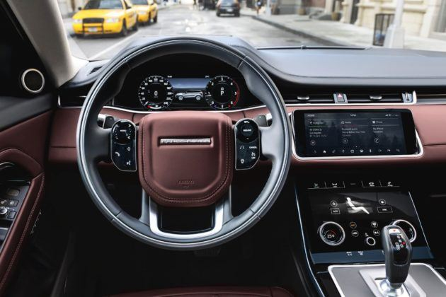 Range Rover Evoque - deska rozdzielcza (2)