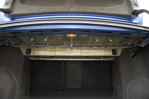 Toyota Avensis III - goła blacha