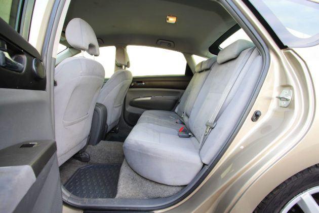 Toyota Prius II - kanapa