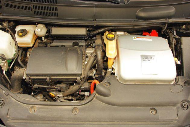 Toyota Prius II - silnik