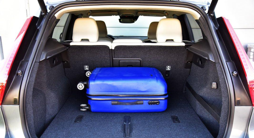 Volvo XC40 T3 - bagażnik