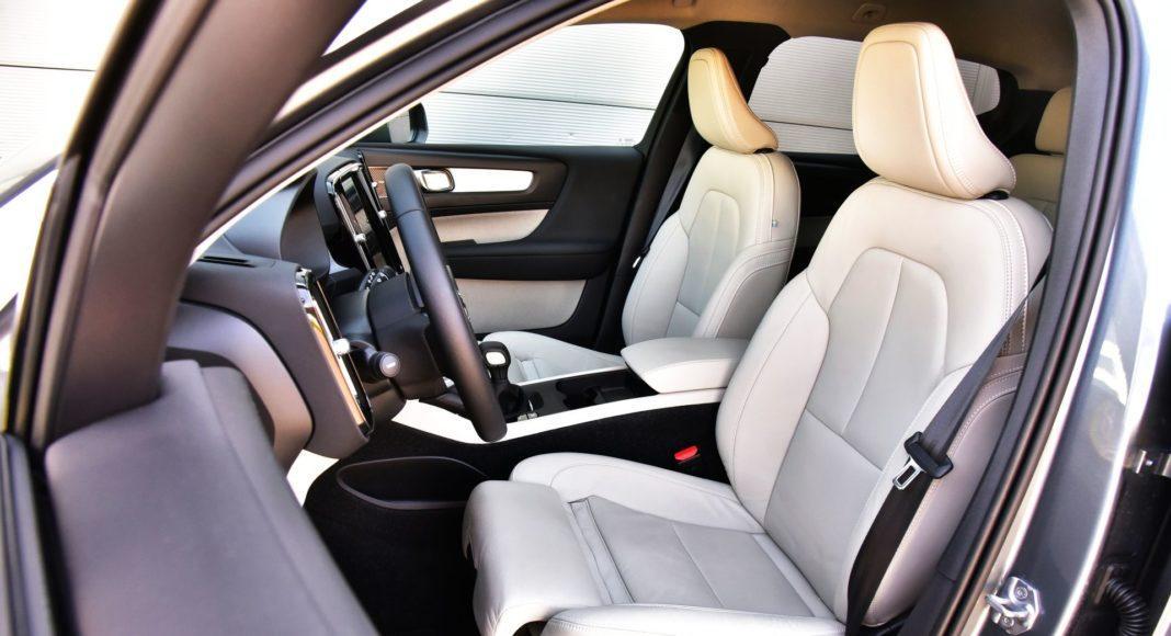 Volvo XC40 T3 - fotel kierowcy