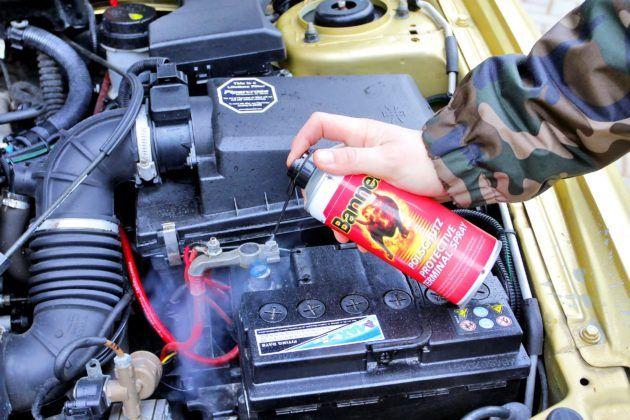 Akumulator - konserwacja połączeń