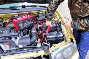 Akumulator - podłączenie
