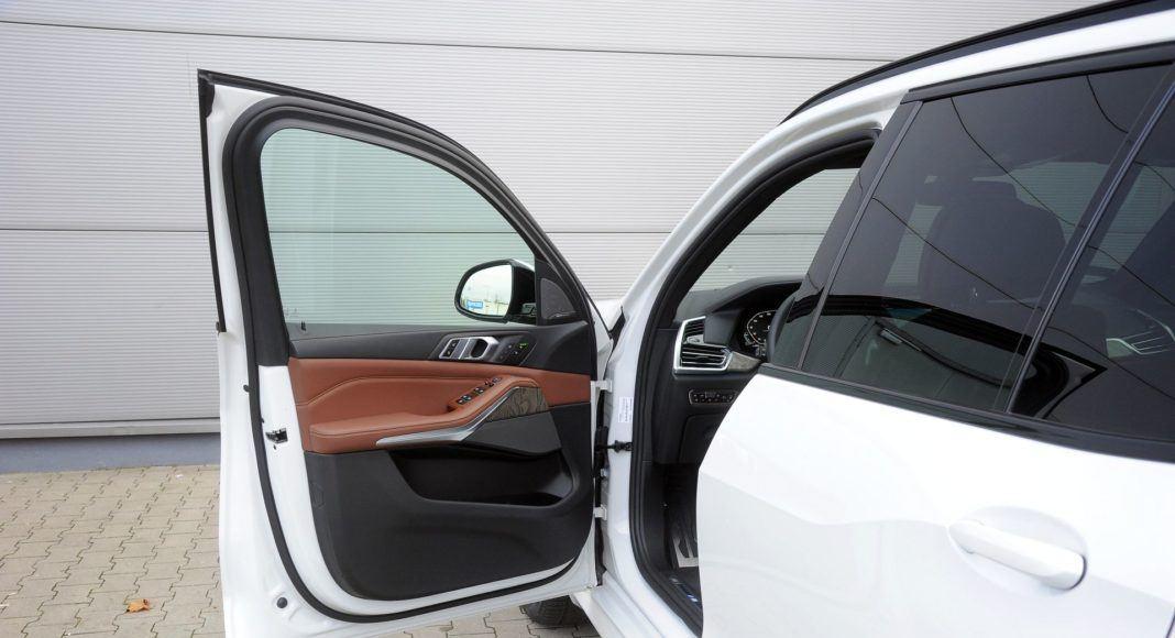 BMW X5 - drzwi