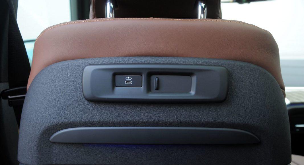 BMW X5 - gniazdka