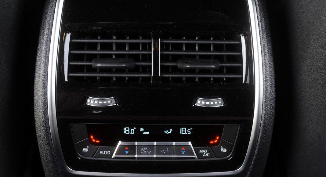 BMW X5 - nawiewy tył