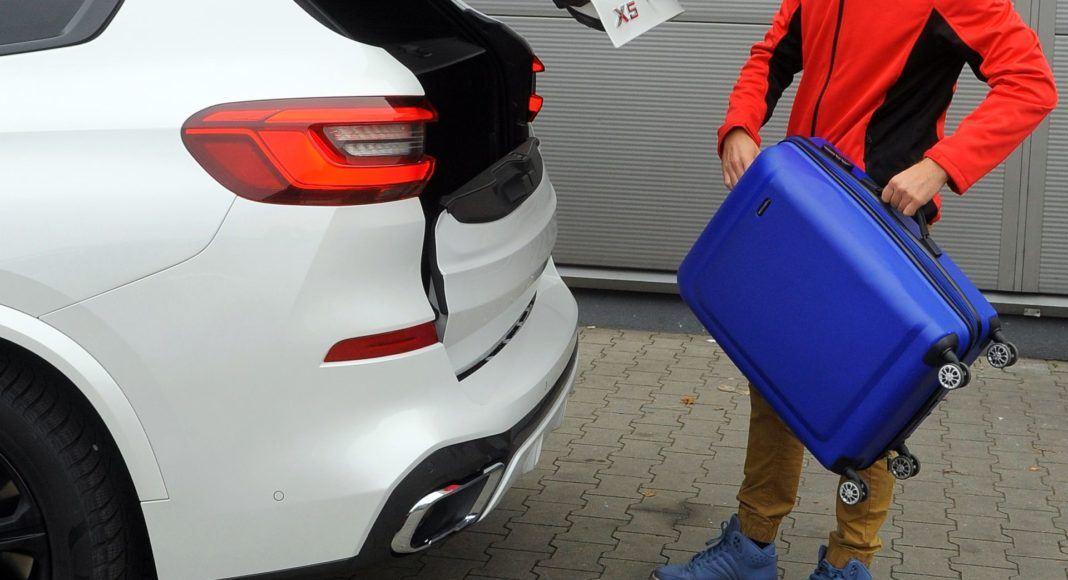 BMW X5 - otwieranie klapy