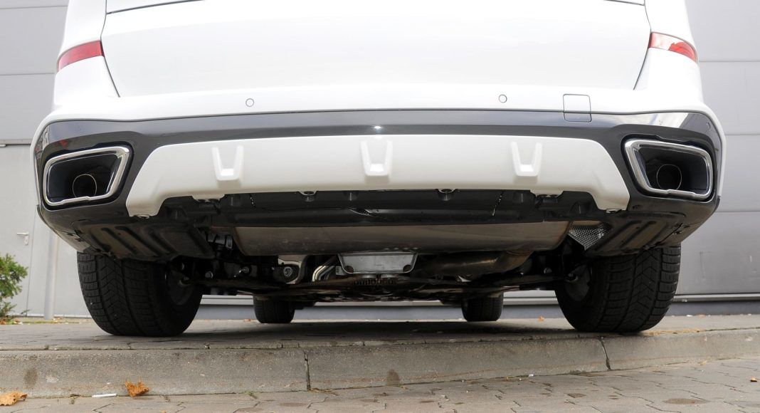 BMW X5 - spód