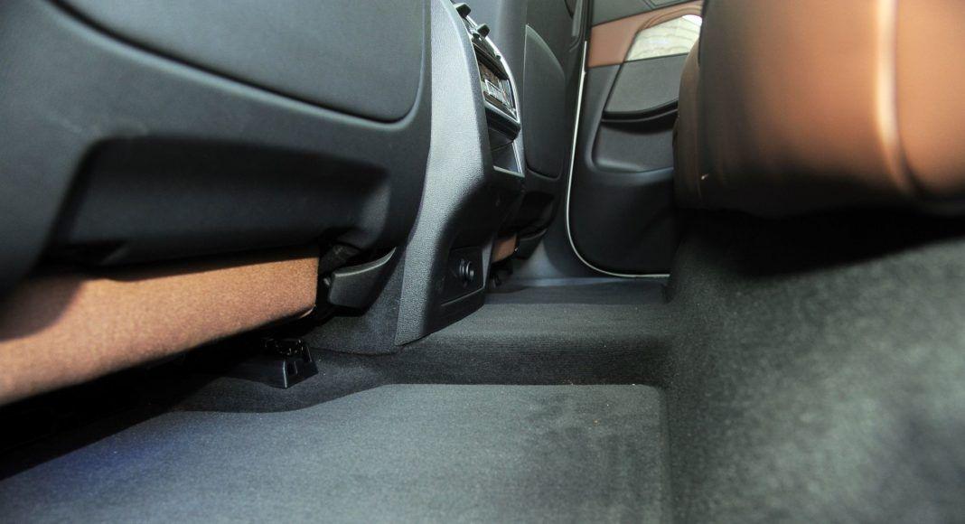 BMW X5 - tunel środkowy