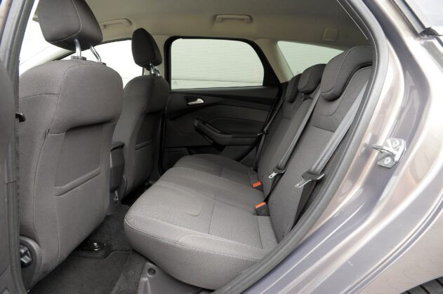 Ford Focus III kanapa