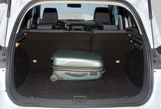Ford Kuga I - bagażnik