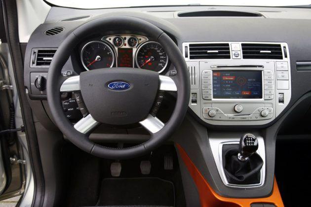 Ford Kuga I - deska rozdzielcza