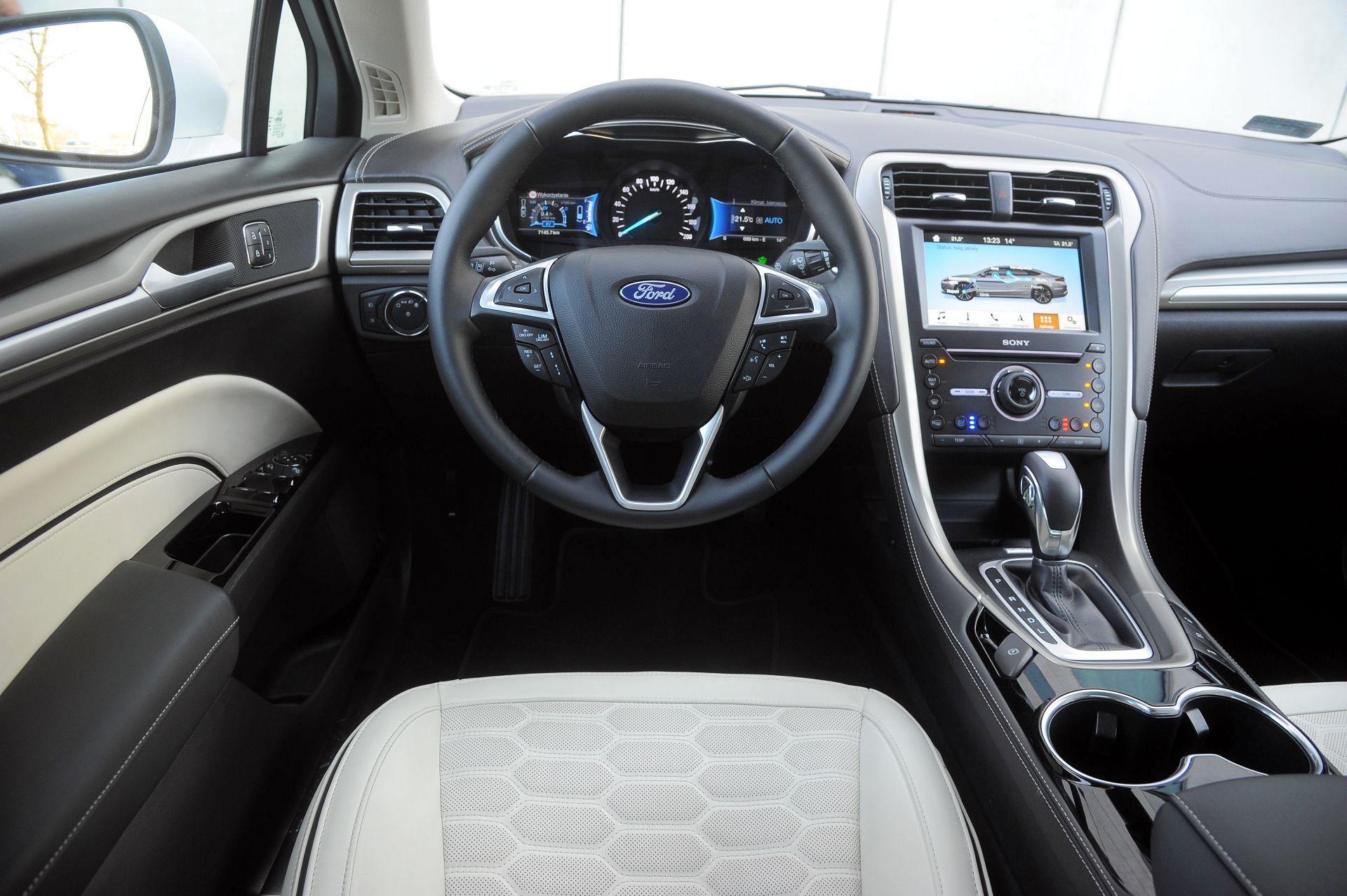Ford Mondeo - deska rozdzielcza