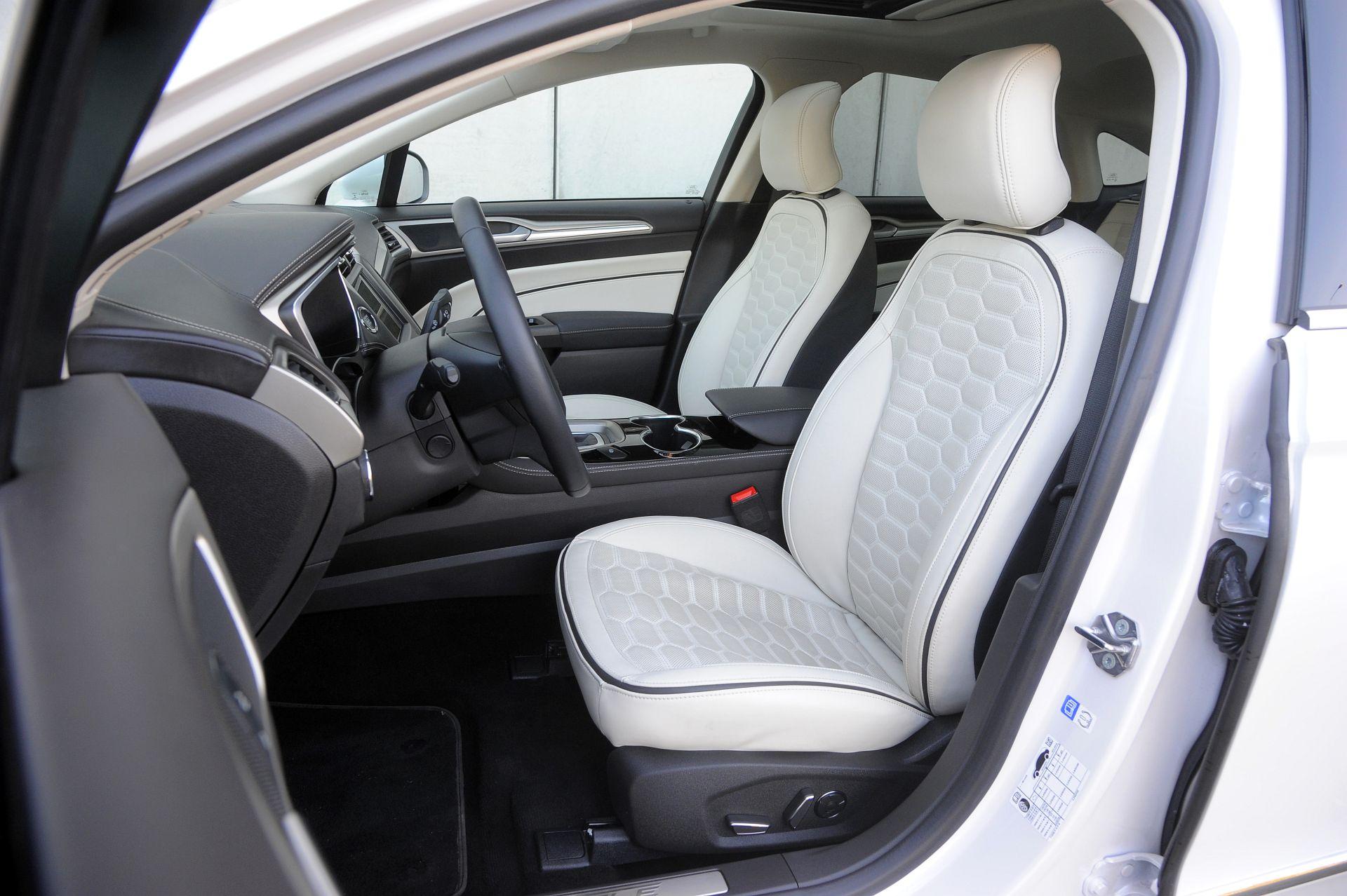 Ford Mondeo - fotel kierowcy