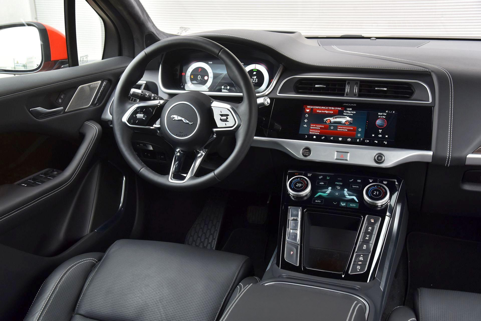 Jaguar I-Pace - deska rozdzielcza