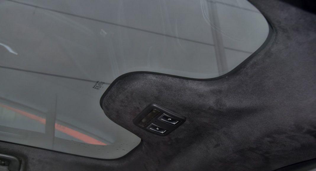 Jaguar I-Pace - okno dachowe