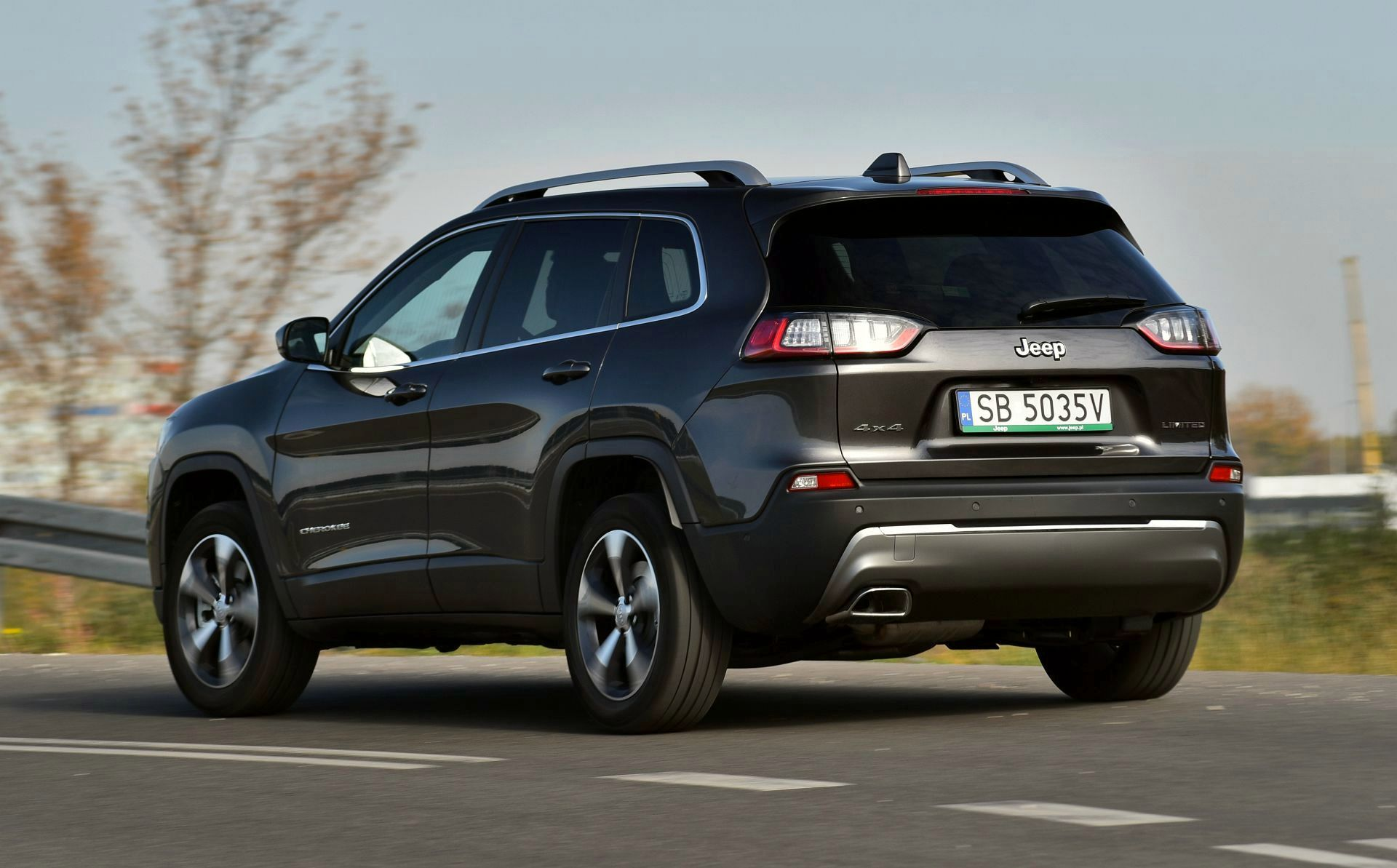 Jeep Cherokee - dynamiczne
