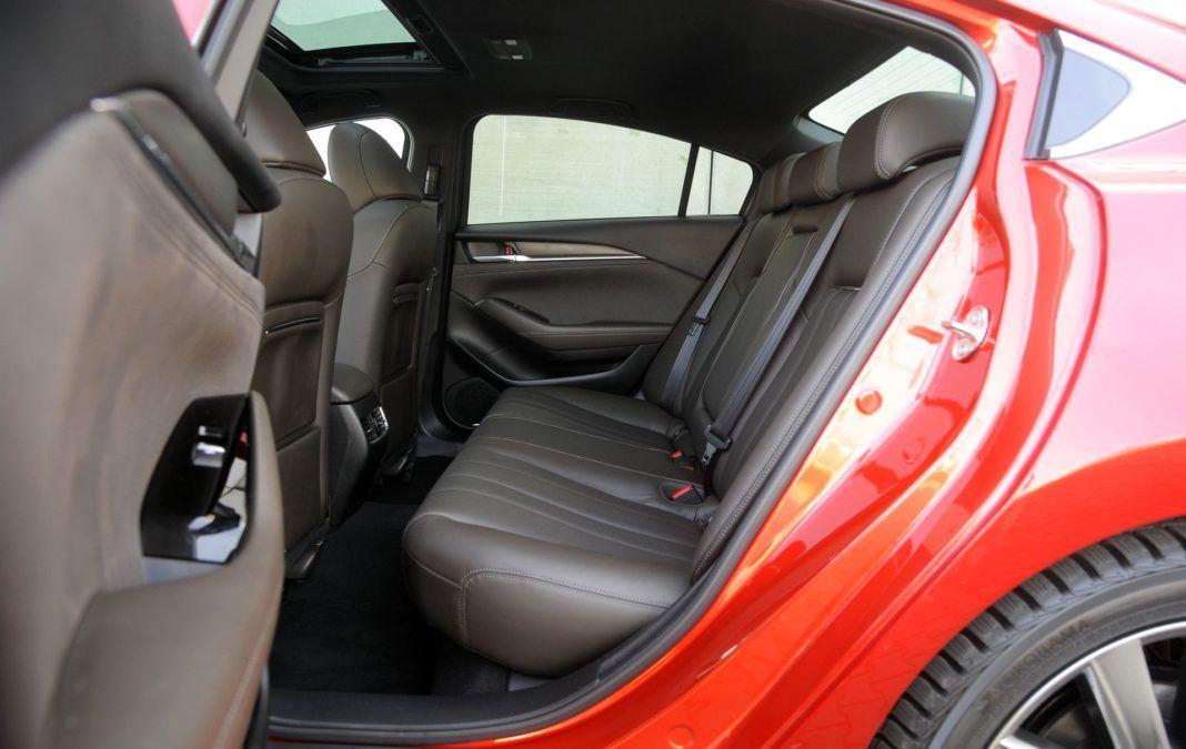 Mazda 6 - kanapa