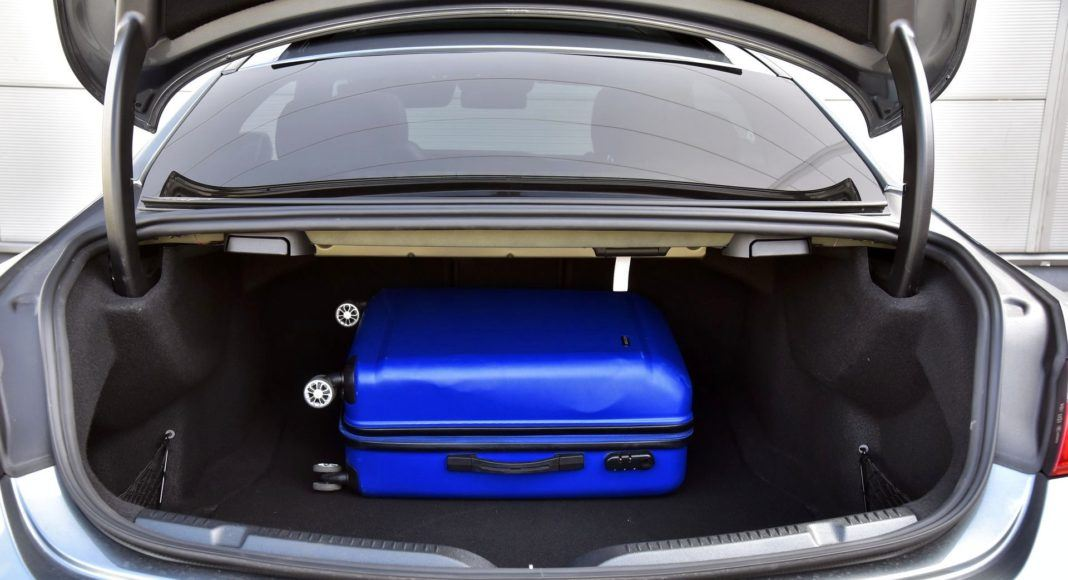 Mercedes-AMG E 53 Coupe - bagażnik