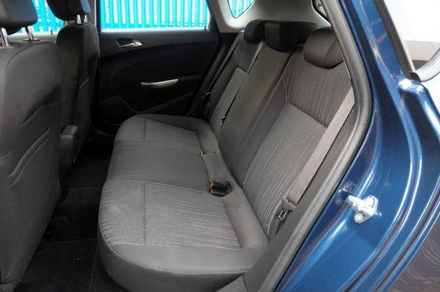 Opel Astra IV - kanapa