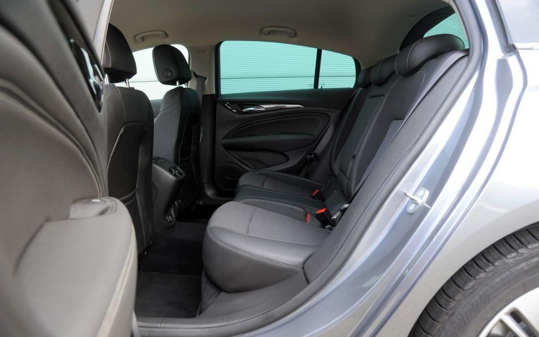 Opel Insignia - kanapa