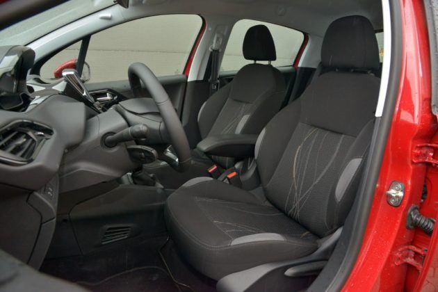 Peugeot 208 - fotel kierowcy