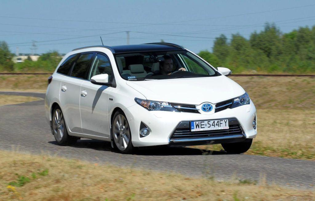 Toyota Auris Hybrid - dynamiczne