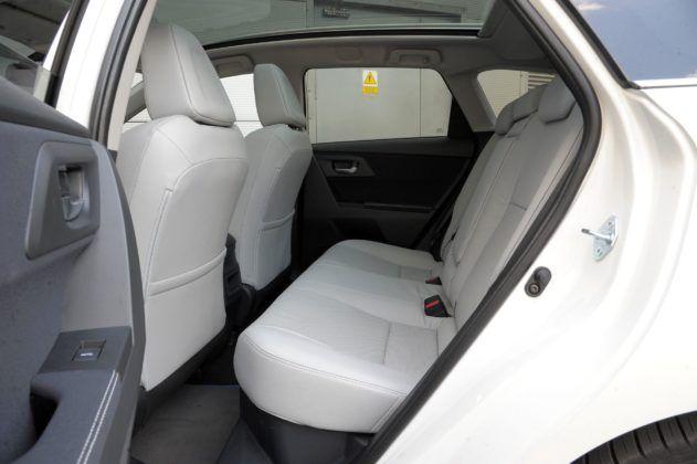 Toyota Auris Hybrid - kanapa