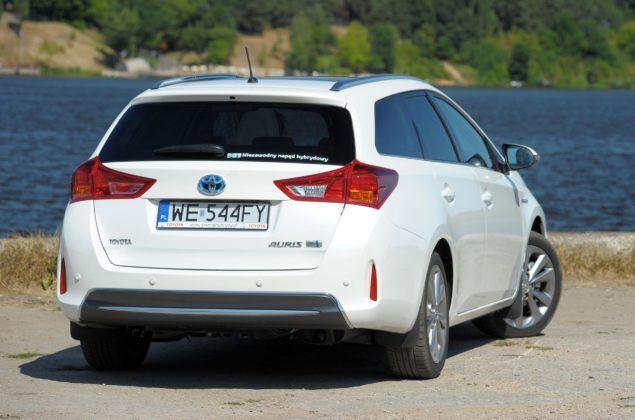 Toyota Auris Hybrid - tył
