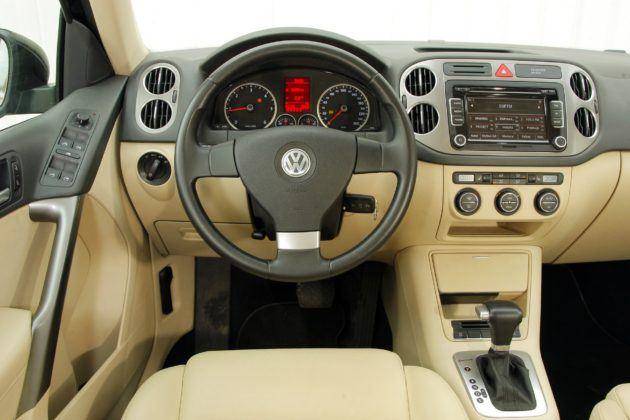 Volkswagen Tiguan I - deska rozdzielcza