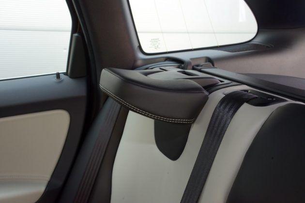 Volvo XC60 - składany zagłówek