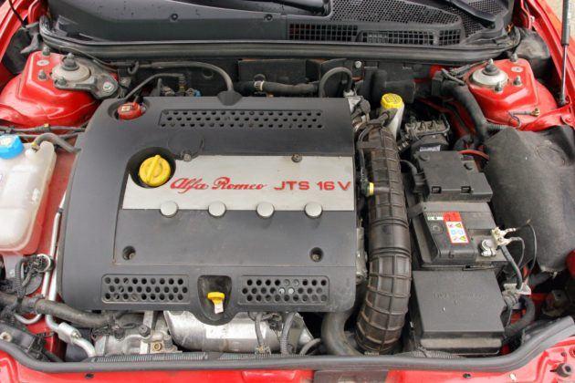 Alfa Romeo GT - silnik