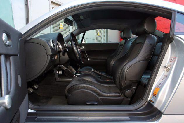Audi TT 8N - fotel kierowcy