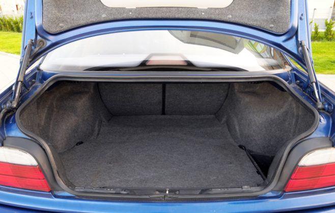 BMW E36 Coupe - bagażnik